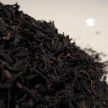 Vanilla flavoured black tea leaves
